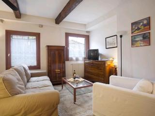 Large & cosy apt in quiet & typical neighbourhood, Venecia