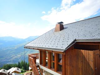 Side shot of chalet showing uninterrupted view!