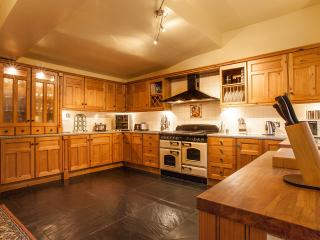 Spacious 25 ft kitchen/diner fitted with all you could possibly need, and then some!