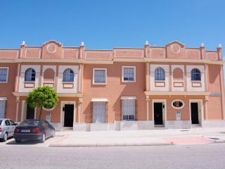 La casa de Isabel, Dos Hermanas