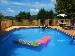 Rural Two bedroom Gite with Swimming Pool, Brossac
