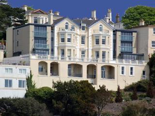 10 Astor House Fabulous sea views with huge balcony