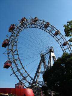 nahe beim Riesenrad/near to giant ferry wheel