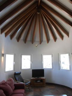 Feature ceiling in lounge area