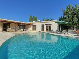 Villa Sunflower, Coral Bay, Paphos