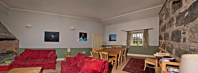Large sitting / dining room