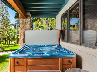 Pool, Tennis, Private Hot Tub, Deck/Grill, Winter Shuttle. Discount Lift Tix*