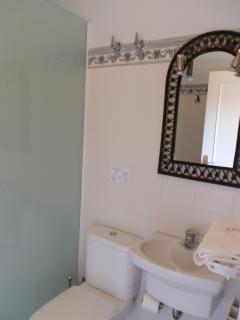Bathroom 1 Toloño