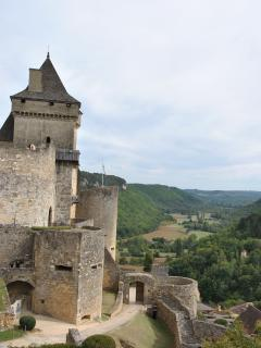 Experience Chateau Castelnaud and breathtaking views of Dordogne valley -  or do the 3 chateaux walk
