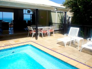 Beachhaven with pool &  ocean views. Wifi and A/C., Stanger