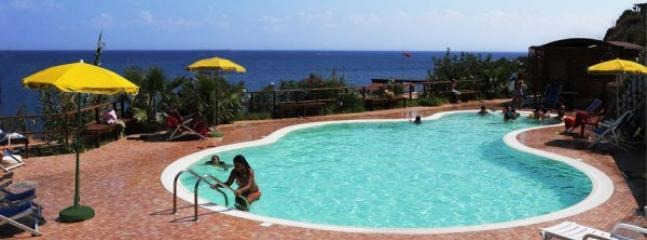 Swimpool cerca de la playa