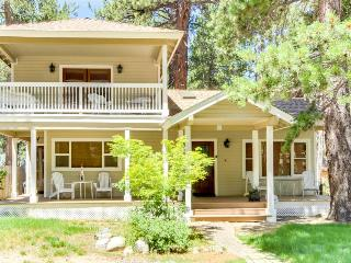 Spacious home w/ a veranda & balcony, just a short drive from Heavenly!, South Lake Tahoe
