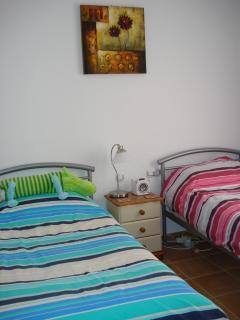 2nd bedroom twin beds