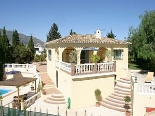 Secluded Villa, Private Pool conveniently situated, Fuengirola