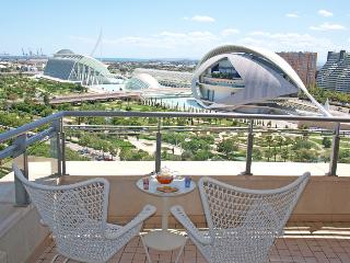 ApartUP Blue Opera View. Pool, WiFi, PK, Gym, Valence
