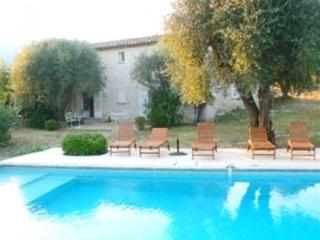This provincial villa, tucked away in the Riviera hills, has 6 bedrooms (one of