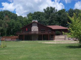 Redwood Retreat Rockton IL. on 5 acres