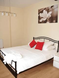 Jasmin bedroom 1