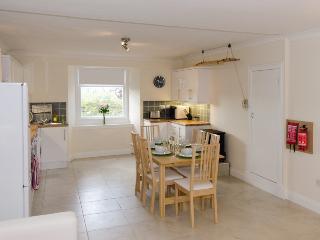 Springbank Garden Apartment Kitchen Diner