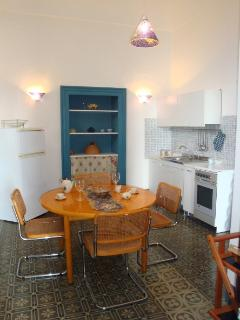 Fully equipped kitchen:table,chairs,cooker,fridge,freezer,oven, kettle