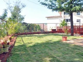 3 Bedroom Bungalow with a Lawn near Mahabaleshwar