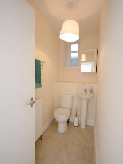 Springbank Garden Apartment Toilet and Wash Room