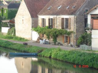 The Old Barges' Inn, Clamecy