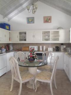 Kitchen and dining area, washing machine/dishwasher and cooker