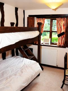 Bedroom 4 with bunk beds