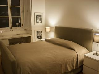 HolidayLovers Chiado Superior 2 BR Apartment