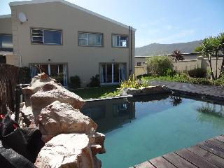 Back of house/ swimming pool