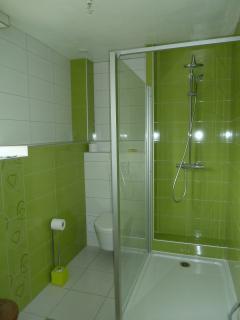 Salle de bain chambre 'Flaubert' grande douche 90x120