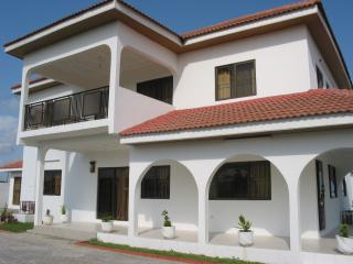 Love Villa, Acra