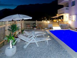 Villa Natasha with Pool