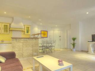 1br in the heart of Cannes!!!