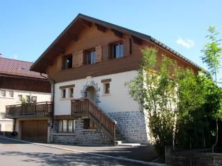 Megeve Town Centre Chalet - 2 Bedroom Apartment, Megève