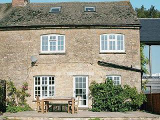 SOUTH VIEW COTTAGE, Chipping Norton