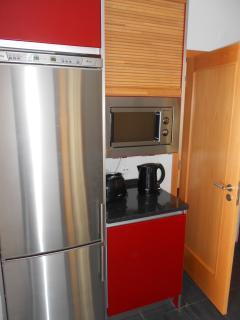 Kitchen, fridge freezer and appliances