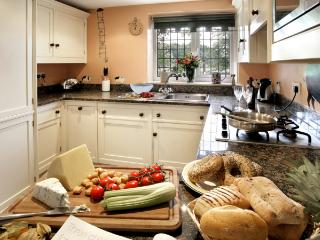 Fully equipped painted Mark Wilkinson kitchen gas hob, oven, dishwasher, microwave, washer and dryer