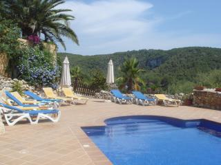 Peaceful location with stunning views over the Garraf Natural Park
