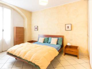 Cozy flat for 2 in Como center