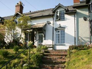 CLEE VIEW COTTAGE, Ludlow