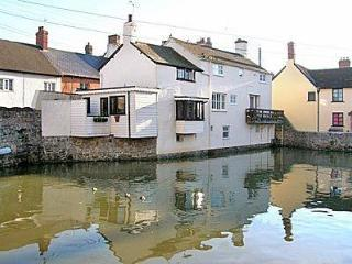 BRIDGE COTTAGE, Watchet