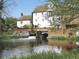 MILL RACE APARTMENT, Dereham