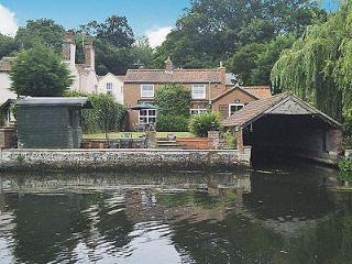 WHERRYMAN'S COTTAGE, Wroxham