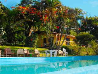 Casa Chalet with Pool in the Park 4 Bedrooms - Old Town Porto Seguro UNESCO site