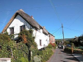 THE OLDE COTTAGE, Teignmouth
