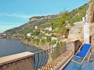 Idillio 2, Amalfi