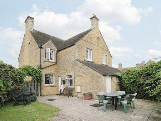 OXLEIGH COTTAGE, Bourton-on-the-Water