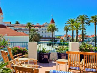 Beautiful & RARE Coronado Beach Resort Studio, in the heart of CORONADO